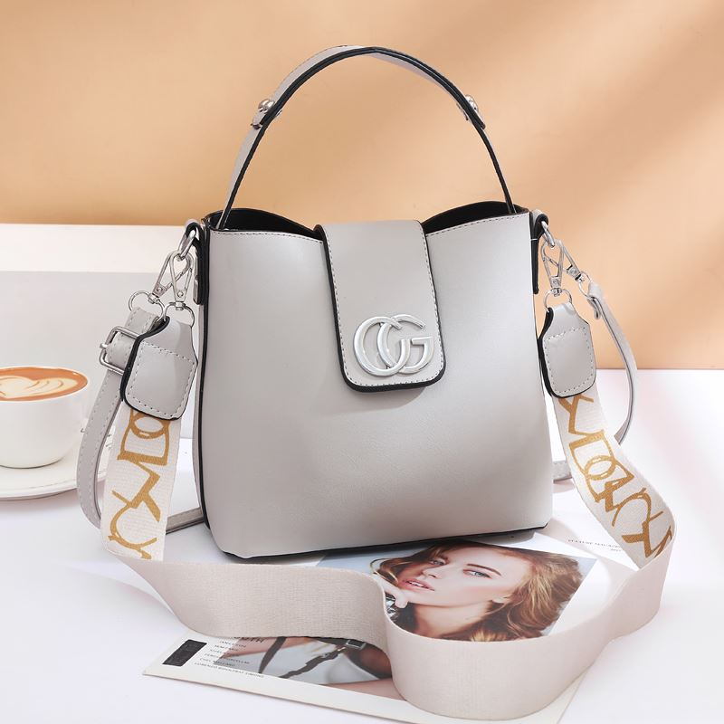 JT45770 IDR.167.000 MATERIAL PU SIZE L21XH19XW11CM WEIGHT 650GR COLOR GRAY