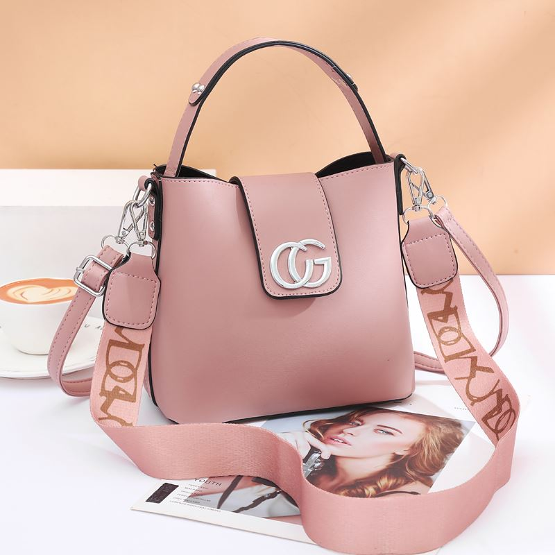 JT45770 IDR.167.000 MATERIAL PU SIZE L21XH19XW11CM WEIGHT 650GR COLOR PINK