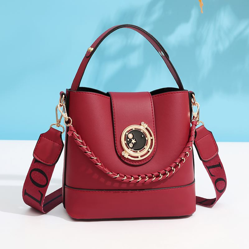 JT45990 IDR.165.000 MATERIAL PU SIZE L21XH19XW11CM WEIGHT 600GR COLOR RED