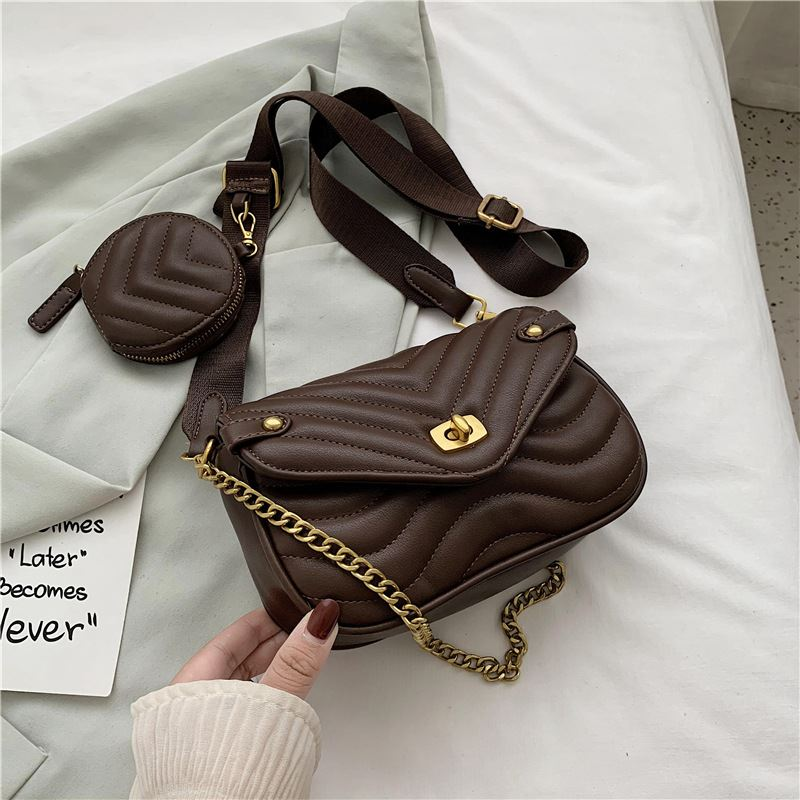 JT46111 (2IN1) IDR.165.000 MATERIAL PU SIZE L20.5XH13XW6CM WEIGHT 500GR COLOR COFFEE