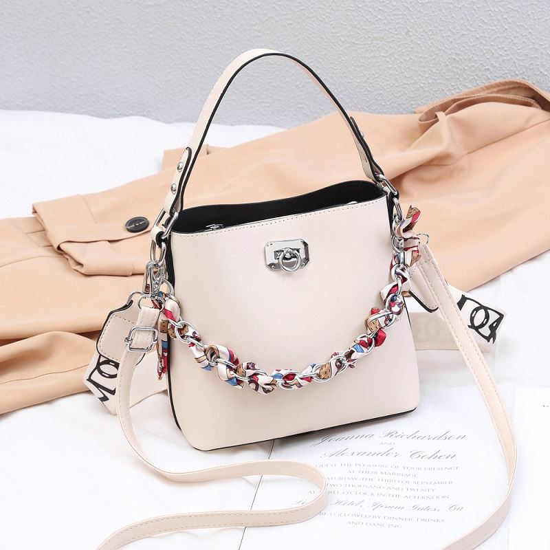 JT49880 IDR.165.000 MATERIAL PU SIZE L21XH19XW11CM WEIGHT 600GR COLOR WHITE