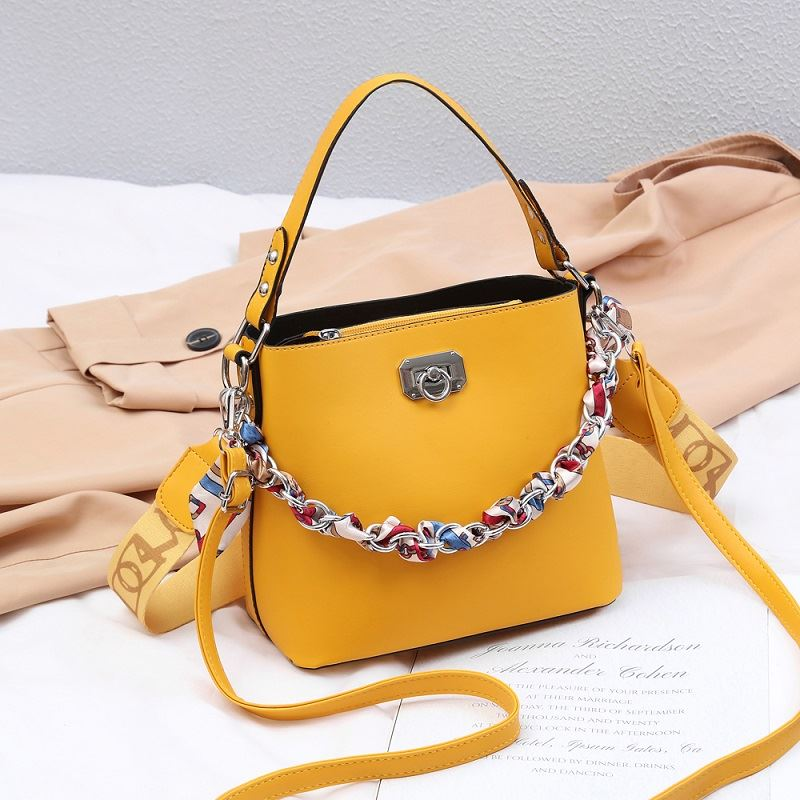 JT49880 IDR.165.000 MATERIAL PU SIZE L21XH19XW11CM WEIGHT 600GR COLOR YELLOW