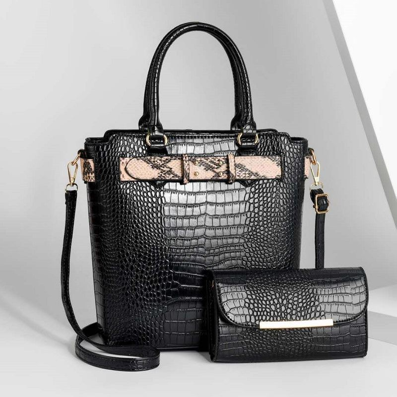 JT4995 (2IN1) IDR.194.000 MATERIAL PU SIZE L26XH29XW13CM WEIGHT 1100GR COLOR BLACK