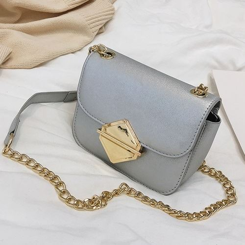 JT503 IDR.157.000 MATERIAL PU SIZE L17XH13XW8CM WEIGHT 500GR COLOR SILVER