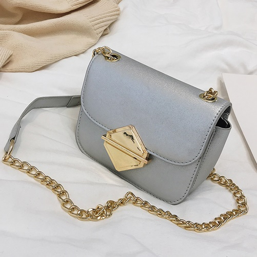 JT503 IDR.162.000 MATERIAL PU SIZE L17XH13XW8CM WEIGHT 500GR COLOR SILVER