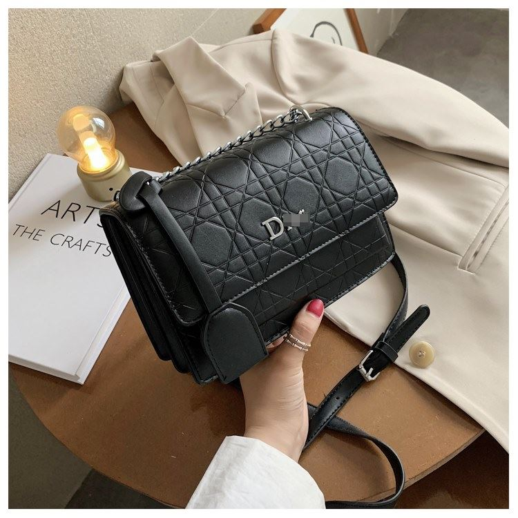 JT5043 IDR.156.000 MATERIAL PU SIZE L22XH14.5XH14.5XW12.5CM WEIGHT 500GR COLOR BLACK