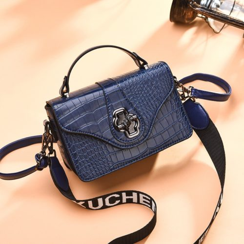 JT505 IDR.168.000 MATERIAL PU SIZE L20XH13XW7CM WEIGHT COLOR BLUE
