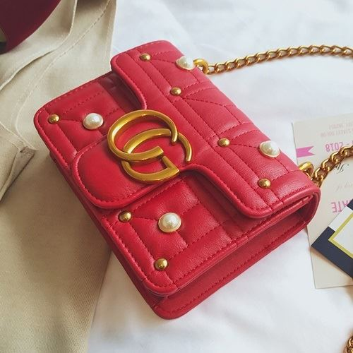 JT5110 IDR.155.000 MATERIAL PU SIZE L20XH15XW6CM WEIGHT 500GR COLOR RED