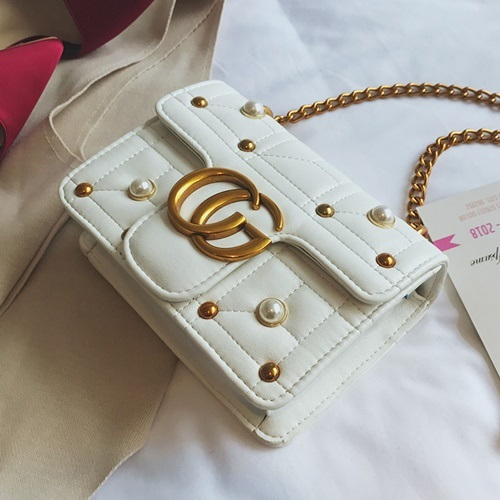 JT5110 IDR.160.000 MATERIAL PU SIZE L20XH15XW6CM WEIGHT 450GR COLOR WHITE