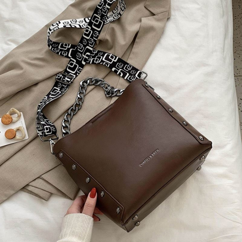 JT5251 IDR.182.000 MATERIAL PU SIZE L22.5-25.5XH23.5XW11.5CM WEIGHT 620GR COLOR COFFEE