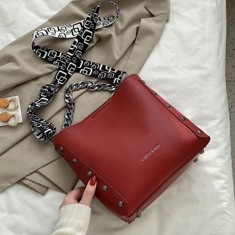 JT5251 IDR.182.000 MATERIAL PU SIZE L22.5-25.5XH23.5XW11.5CM WEIGHT 620GR COLOR RED