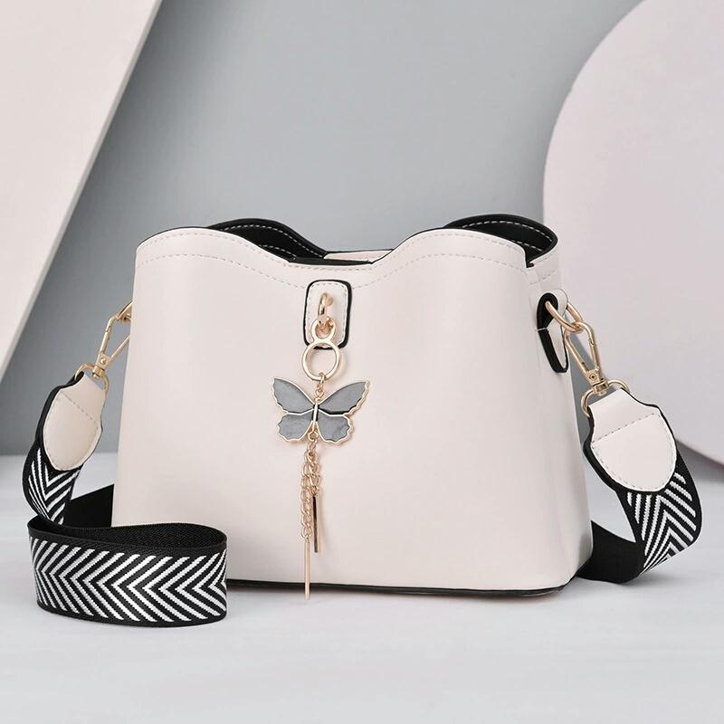 JT5910 IDR.172.000 MATERIAL PU SIZE L23XH18XW11CM WEIGHT 600GR COLOR BEIGE