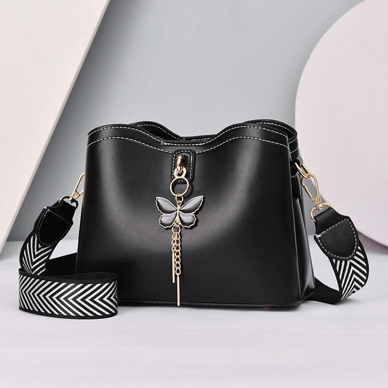 JT5910 IDR.172.000 MATERIAL PU SIZE L23XH18XW11CM WEIGHT 600GR COLOR BLACK