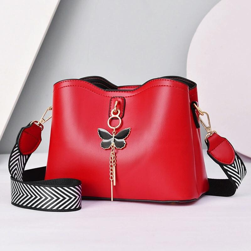 JT5910 IDR.172.000 MATERIAL PU SIZE L23XH18XW11CM WEIGHT 600GR COLOR RED