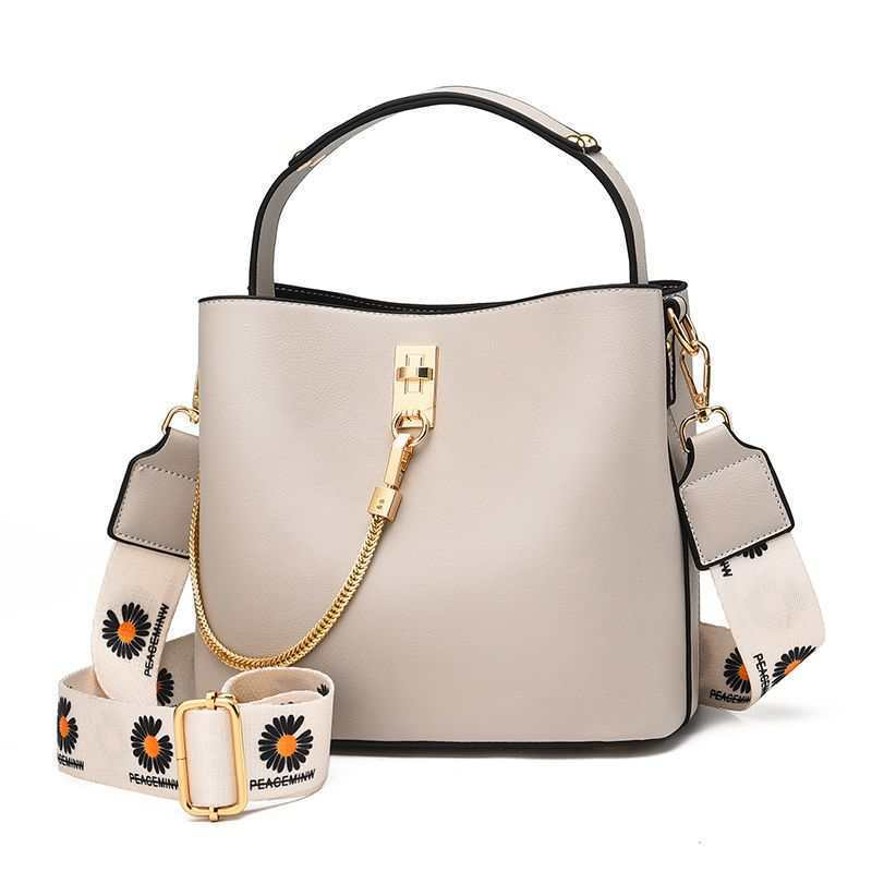 JT6018 IDR.175.000 MATERIAL PU SIZE L22XH19XW12CM WEIGHT 650GR COLOR GRAY