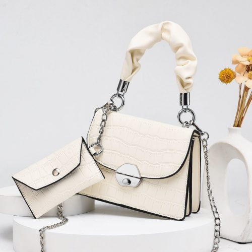 JT60201 (2IN1) IDR.170.000 MATERIAL PU SIZE L19XH14XW8CM, SMALL BAG 12X7CM WEIGHT 550GR COLOR BEIGE