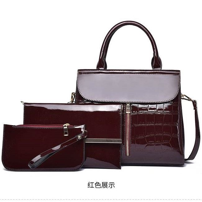 JT6053 IDR.230.000 MATERIAL PU SIZE L29.5XH25XW12CM WEIGHT 1000GR (3IN1) COLOR RED