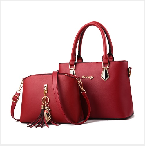JT60751 (2IN1) IDR.175.000 MATERIAL PU SIZE L30.5XH21.5XW13CM WEIGHT 800GR COLOR RED