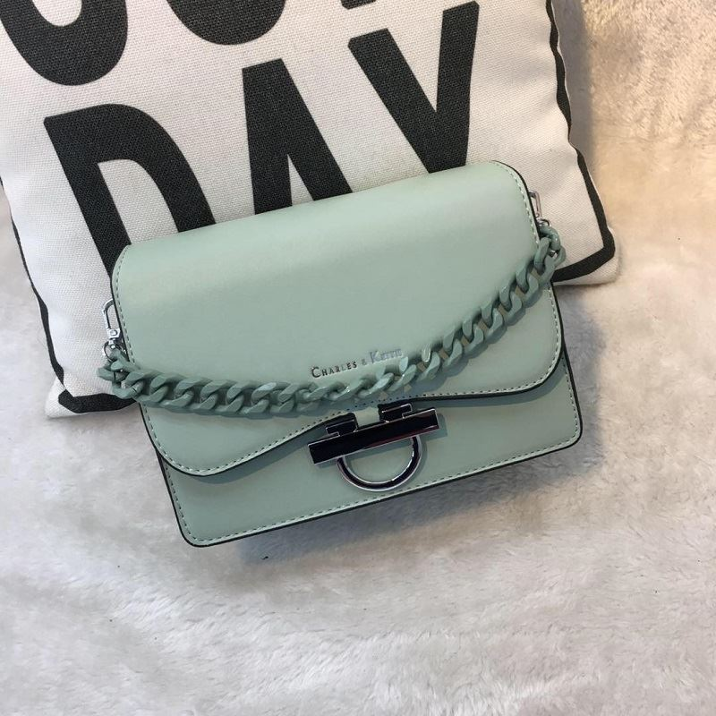 JT61012 IDR.178.000 MATERIAL PU SIZE L20XH15XW7.5CMX8CM WEIGHT 700GR COLOR GREEN