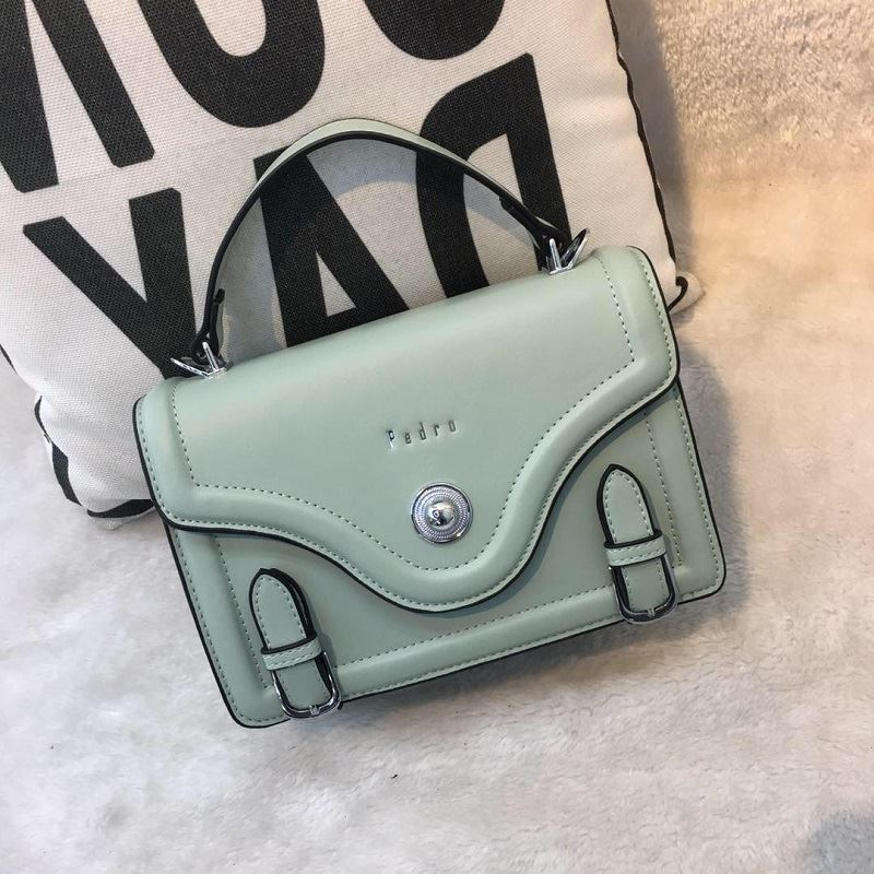 JT61205 IDR.182.000 MATERIAL PU SIZE L22XH16XW8CM WEIGHT 700GR COLOR GREEN