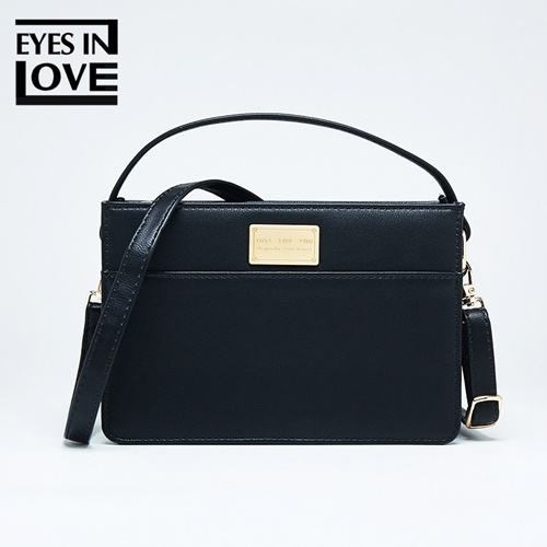 JT614 IDR.165.000 MATERIAL PU SIZE L17.5XH12XW6CM WEIGHT 350GR COLOR BLACK