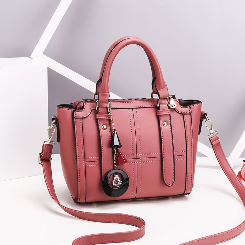 JT616 IDR.162.000 MATERIAL PU SIZE L24XH20XW10CM WEIGHT 750GR COLOR PINK