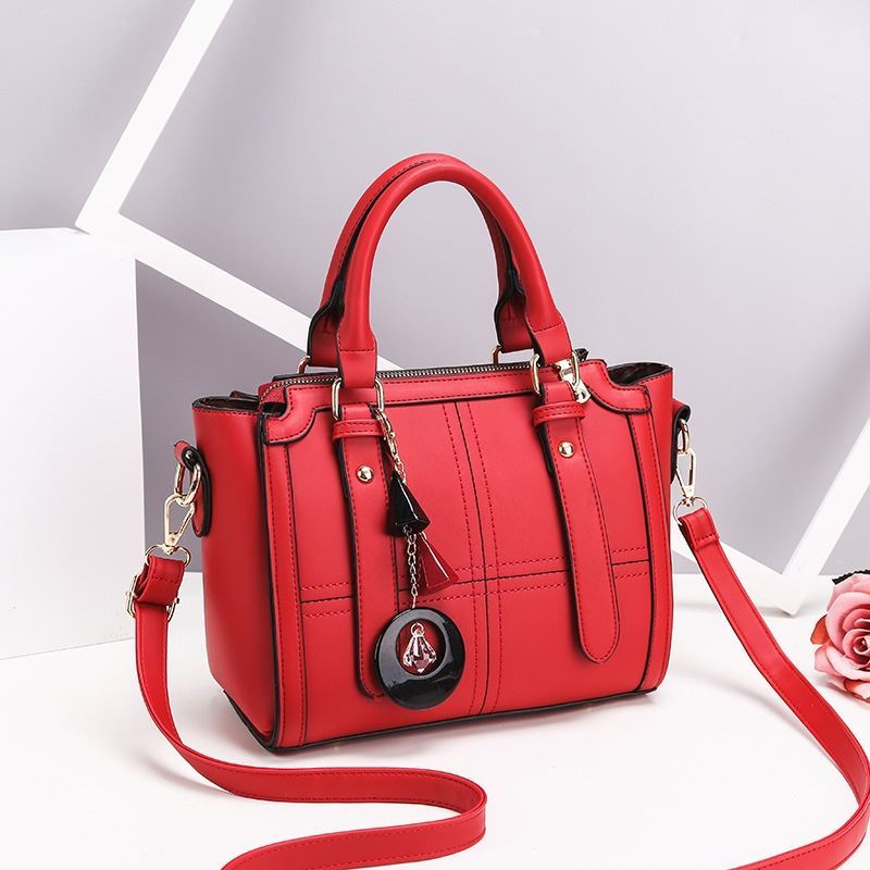 JT616 IDR.162.000 MATERIAL PU SIZE L24XH20XW10CM WEIGHT 750GR COLOR RED