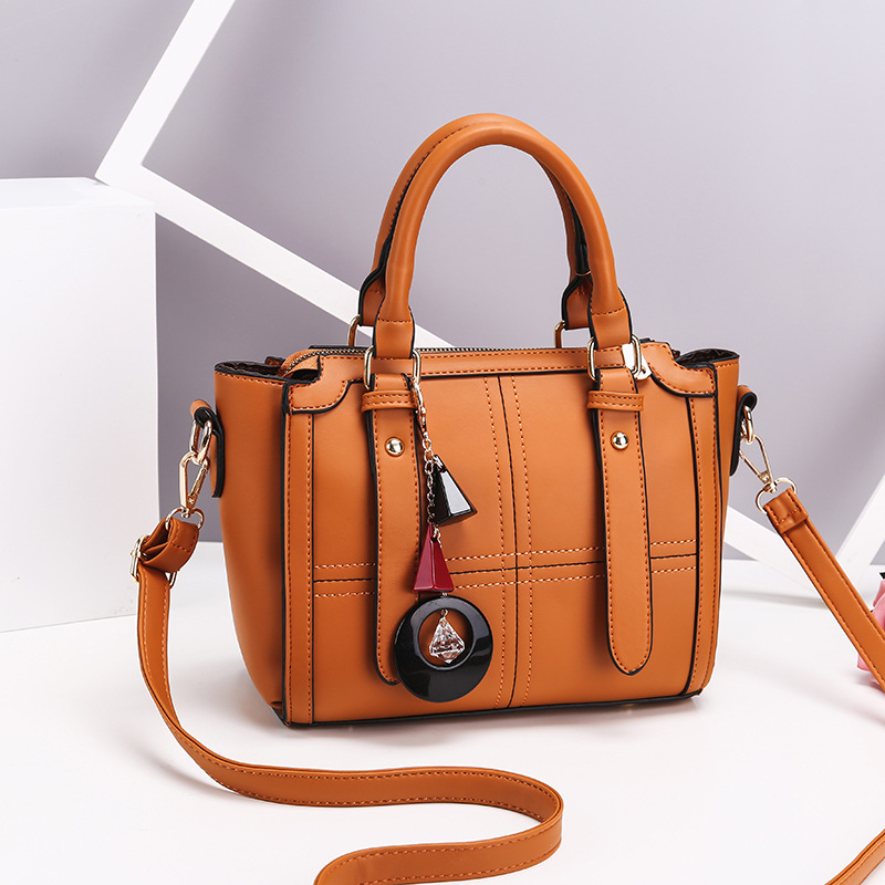 JT616 IDR.169.000 MATERIAL PU SIZE WEIGHT COLOR BROWN