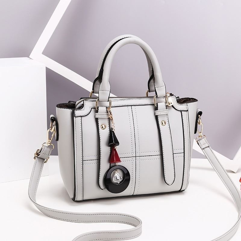 JT616 IDR.170.000 MATERIAL PU SIZE L24XH20XW10CM WEIGHT 750GR COLOR GRAY