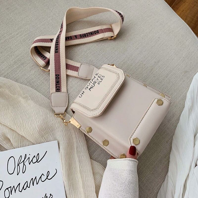 JT6243 IDR.163.000 MATERIAL PU SIZE L18.5XH17.5XW9.5CM WEIGHT 430GR COLOR BEIGE