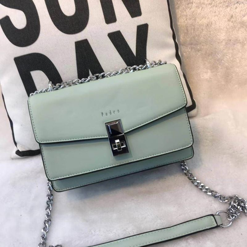 JT62632 IDR.190.000 MATERIAL PU SIZE L22XH15XW9CM WEIGHT 700GR COLOR GREEN