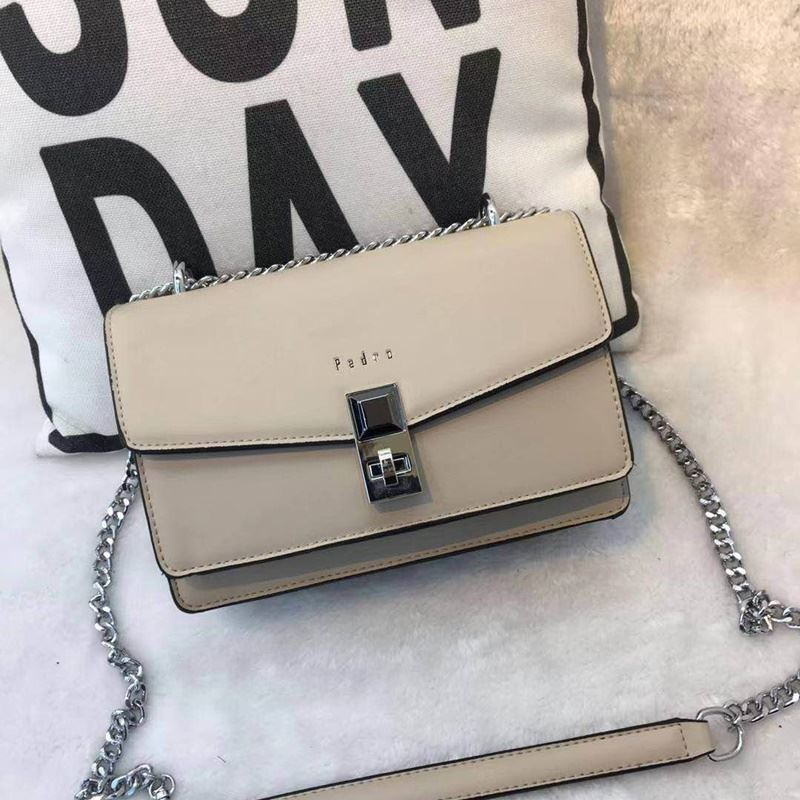 JT62632 IDR.190.000 MATERIAL PU SIZE L22XH15XW9CM WEIGHT 700GR COLOR KHAKI