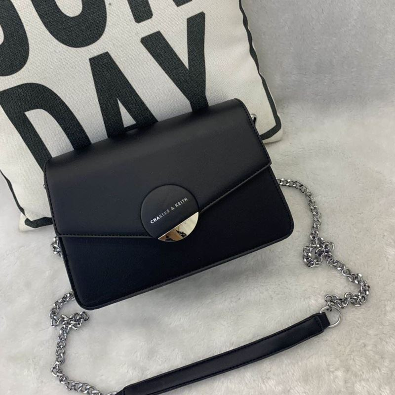 JT62637 IDR.182.000 MATERIAL PU SIZE L23XH16XW8CM WEIGHT 700GR COLOR BLACK