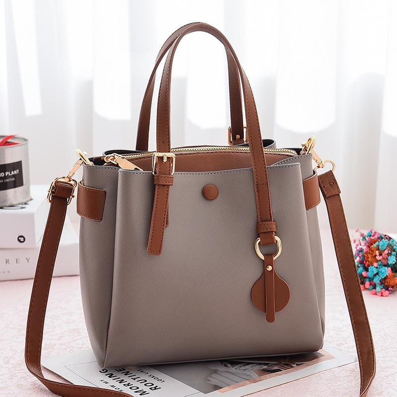 JT660 IDR.190.000 MATERIAL PU SIZE L23XH21XW11CM WEIGHT 660GR COLOR GRAY