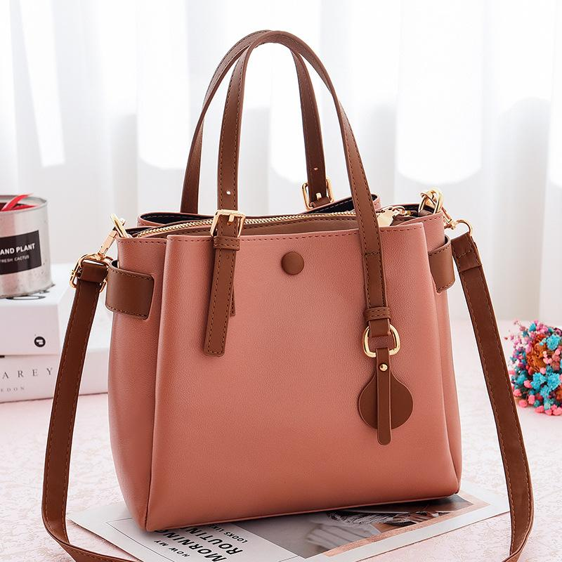 JT660 IDR.190.000 MATERIAL PU SIZE L23XH21XW11CM WEIGHT 660GR COLOR PINK