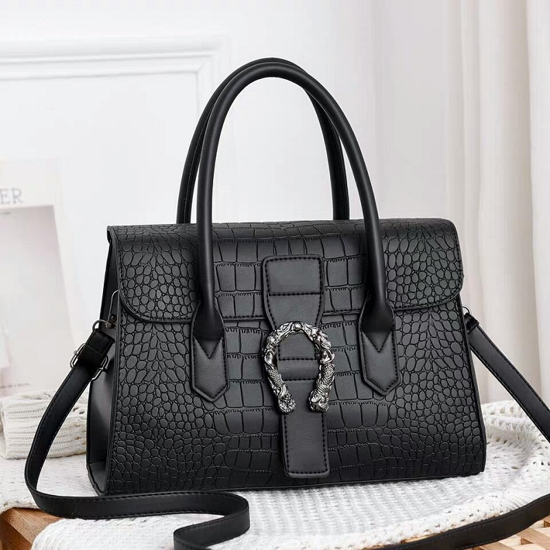 JT6602 IDR.185.000 MATERIAL PU SIZE L31XH22XW12CM WEIGHT 600GR COLOR BLACK
