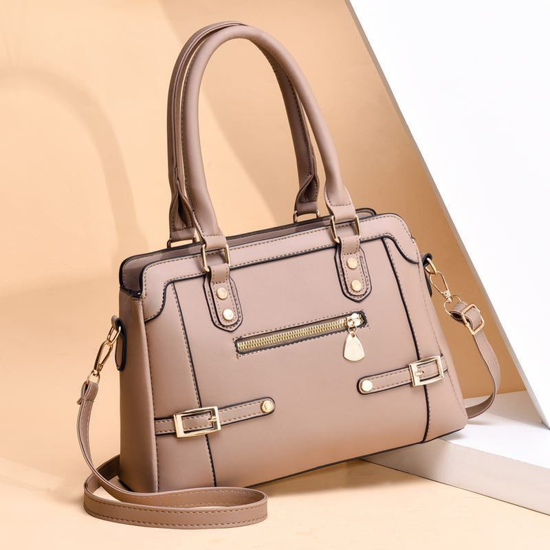JT6603 IDR.185.000 MATERIAL PU SIZE L31XH21XW12M WEIGHT 750GR COLOR KHAKI