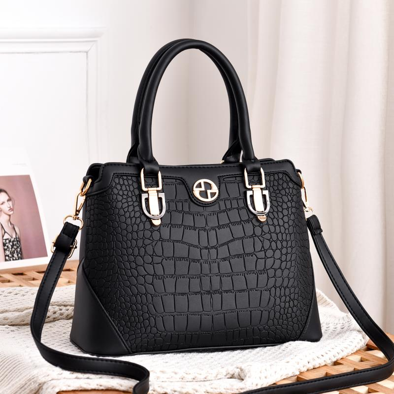 JT6612 IDR.180.000 MATERIAL PU SIZE L30XH23XW14CM WEIGHT 750GR COLOR BLACK