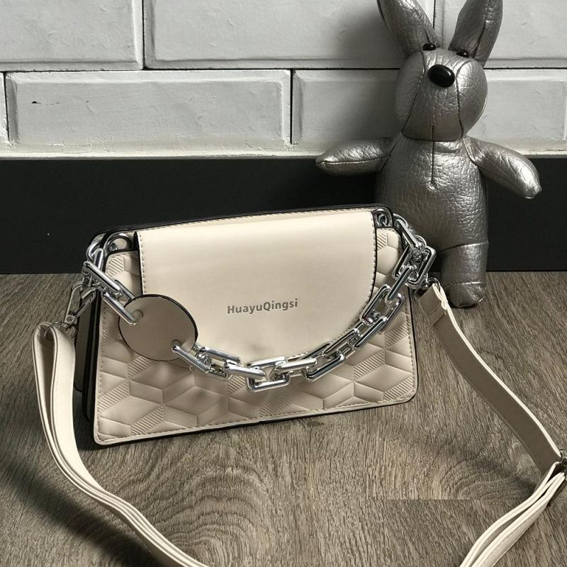 JT6622 IDR.165.000 MATERIAL PU SIZE L22XH14XW9CM WEIGHT 600GR COLOR BEIGE
