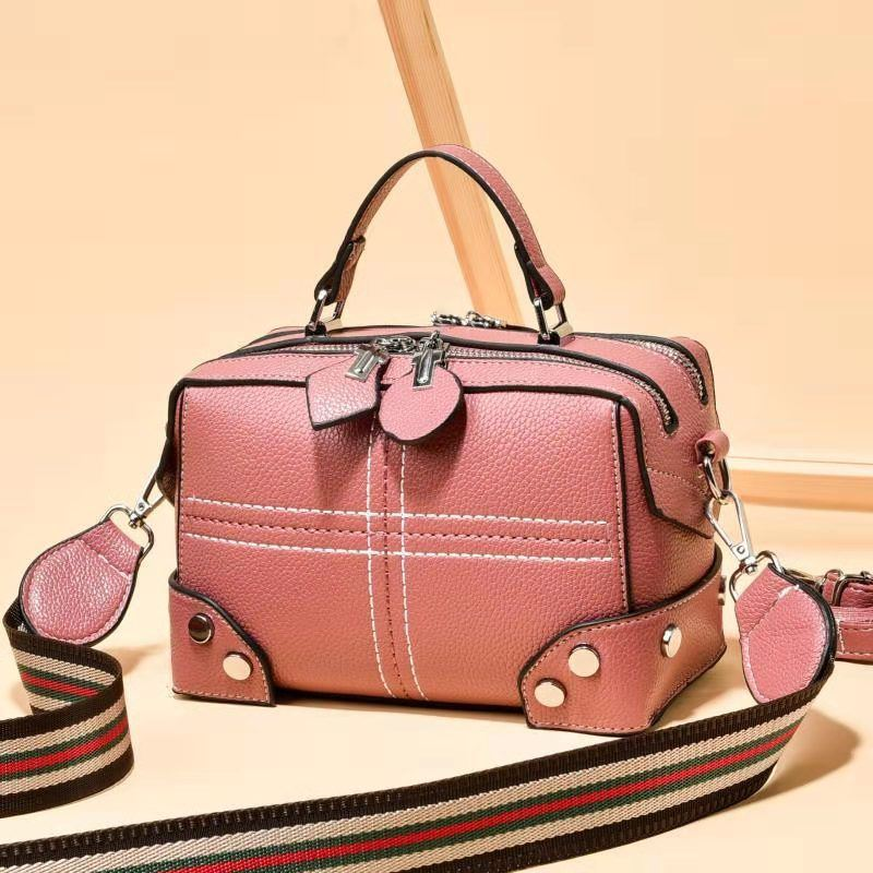 JT666A IDR.165.000 MATERIAL PU SIZE L20XH14X11CM WEIGHT 550GR COLOR PINK
