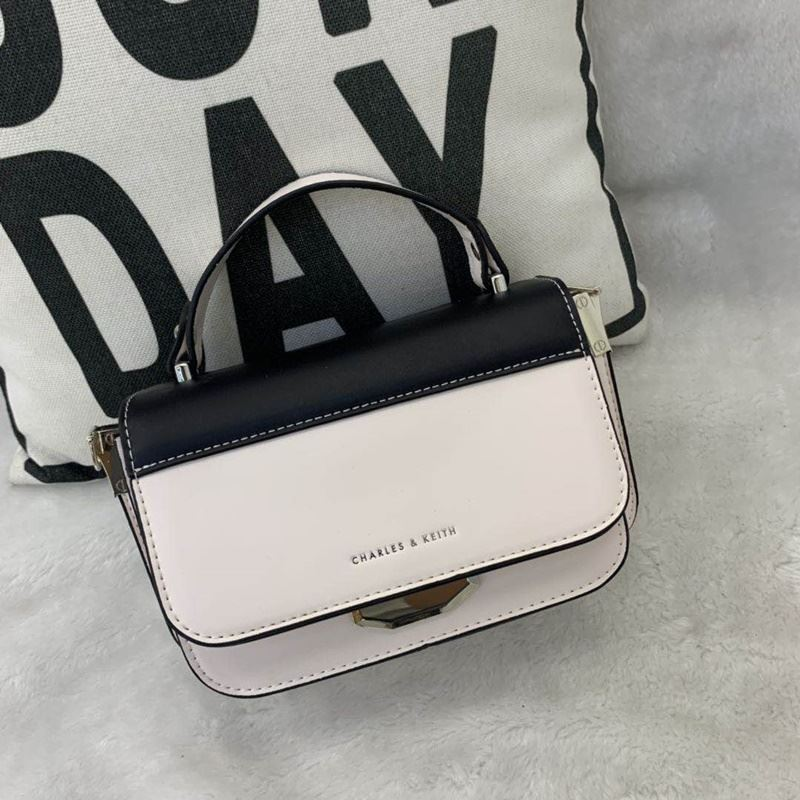 JT66874 IDR.182.000 MATERIAL PU SIZE L21XH14XW8CM WEIGHT 700GR COLOR WHITE