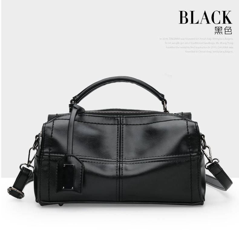 JT680 IDR.182.000 MATERIAL PU SIZE L27XH16XW11CM WEIGHT 650GR COLOR BLACK