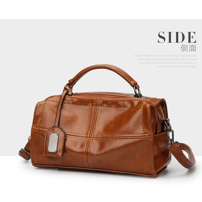 JT680 IDR.182.000 MATERIAL PU SIZE L27XH16XW11CM WEIGHT 650GR COLOR BROWN