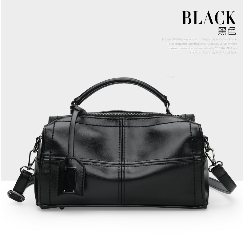 JT680 IDR.192.000 MATERIAL PU SIZE L27XH16XW11CM WEIGHT 650GR COLOR BLACK