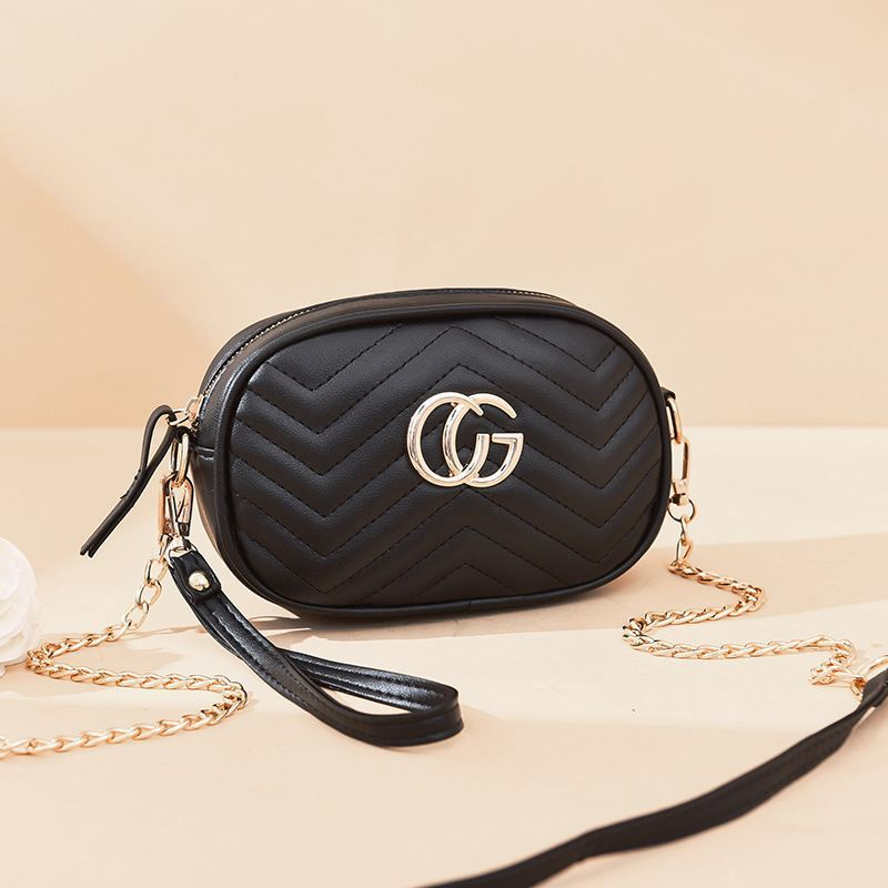 JT68501 IDR.125.000 MATERIAL PU SIZE L19XH13.5XW6.5CM WEIGHT 300GR COLOR BLACK