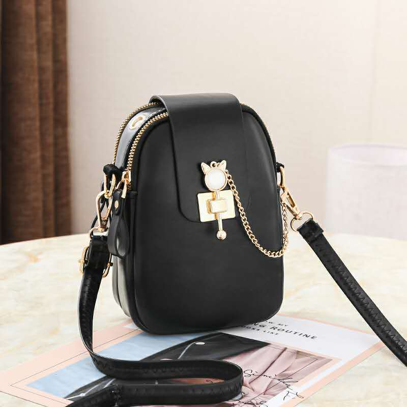 JT68621 IDR.155.000 MATERIAL PU SIZE L13XH19XW6CM WEIGHT 300GR COLOR BLACK