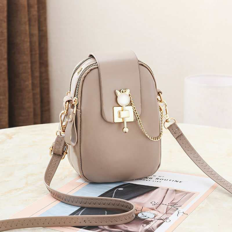 JT68621 IDR.155.000 MATERIAL PU SIZE L13XH19XW6CM WEIGHT 300GR COLOR KHAKI