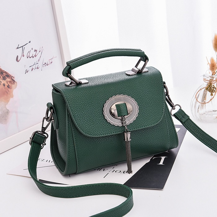 JT6972 IDR.163.000 MATERIAL PU SIZE L21XH15XW10CM WEIGHT 650GR COLOR GREEN