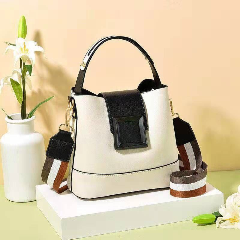 JT7008 IDR.168.000 MATERIAL PU SIZE L21XH19XW11CM WEIGHT 550GR COLOR BEIGE