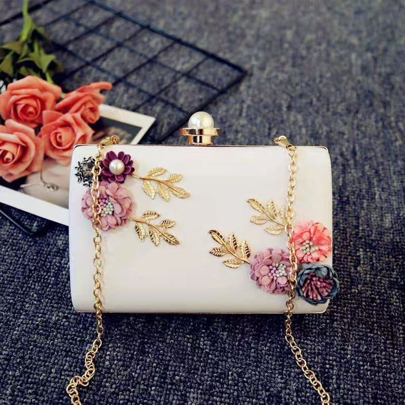 JT70099 IDR.185.000 MATERIAL PU SIZE L18XH15XW4CM WEIGHT 550GR COLOR WHITE